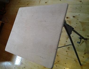 Столик для ноутбука своими руками. Из старой парты.