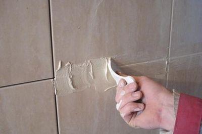 Чем затереть швы при кладке керамической плитки