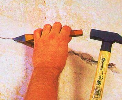 Как самостоятельно заделать трещины в стенах