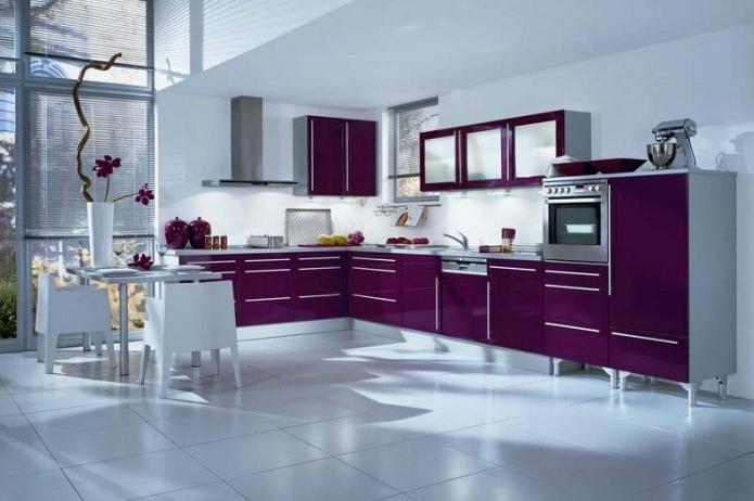 Необычный дизайн: фиолетовый цвет в интерьере