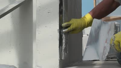 Как своими руками отшпаклевать стены