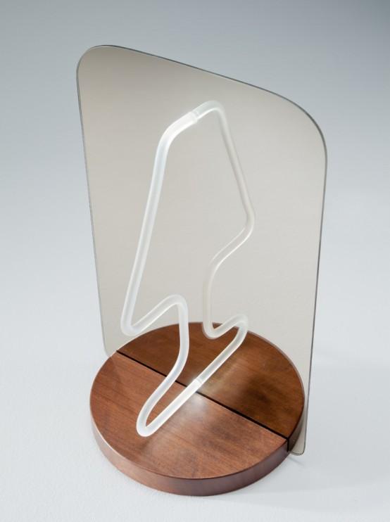 Полу-лампа: возможности зеркала в<br />  интерьере