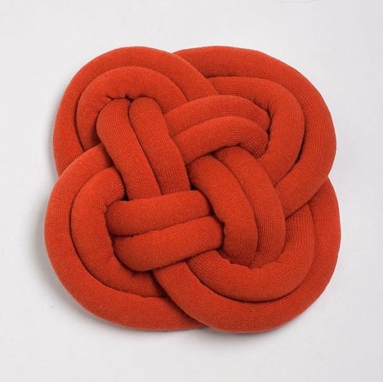 Декоративные узлы-подушки