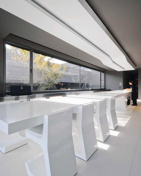 Скульптурный дачный дом