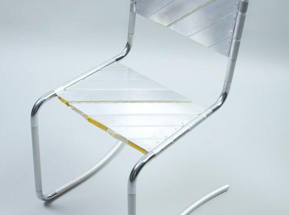 Поворачивающееся кресло